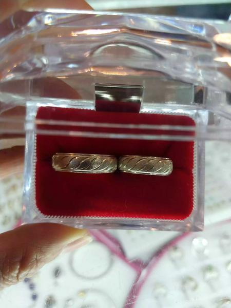 Par de argollas para matrimonio en oro y plata