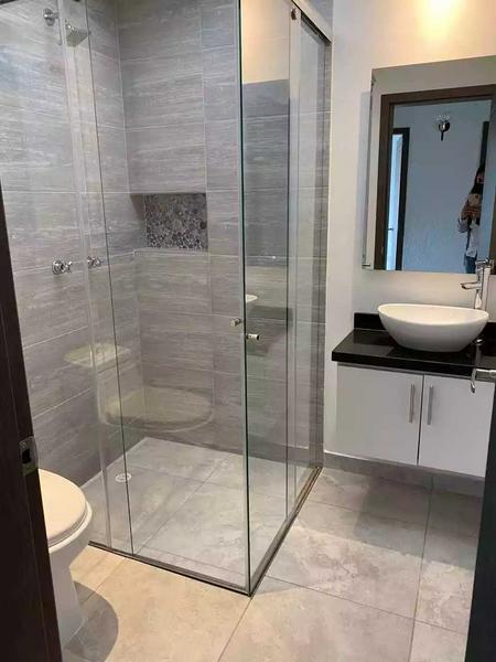 Divisiones para baño vidrio templado