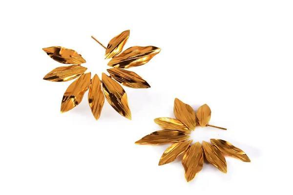 Flores del jardín - candongas doradas
