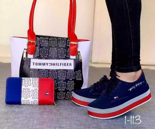 Bolso, billetera y zapatos