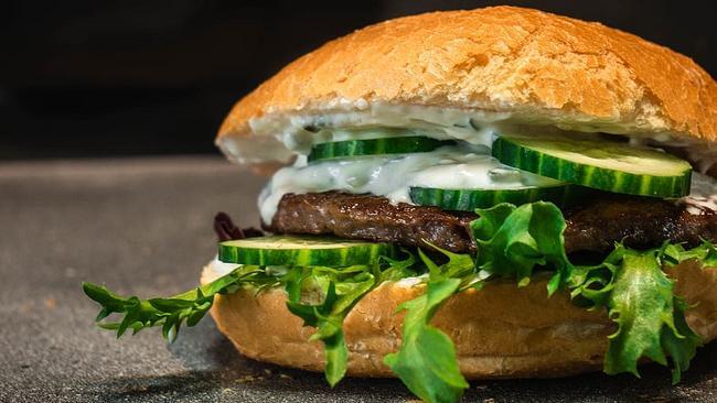¡No te quedes con el antojo! Deliciosa hamburguesa de res por sólo $50 MXN