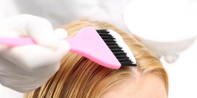 Retoque de tinte más corte de cabello