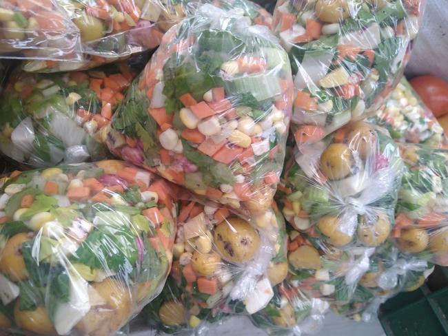 Picado de verduras para sopa