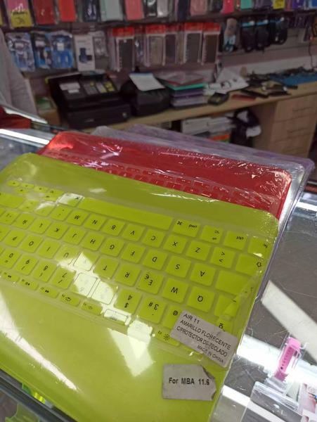 Combo MacBook carcasa y teclado