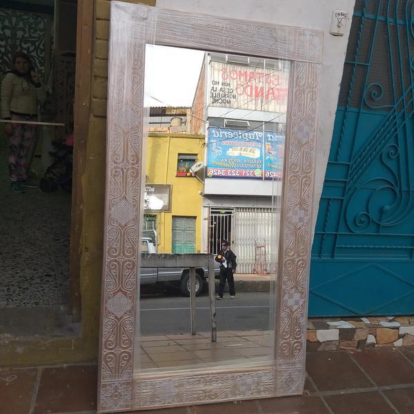 Espejo estilo hindones