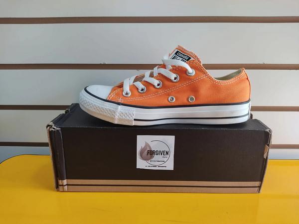 Converse original color naranja
