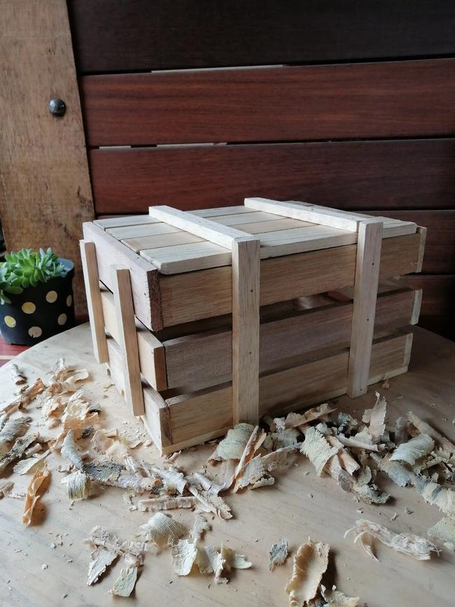 Baúl en madera pino natural