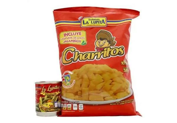 """Charritos """"La Lupita"""" con una lata de chiles"""