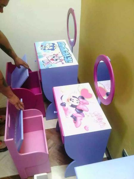 Pupitres y tocadores para niños y niñas