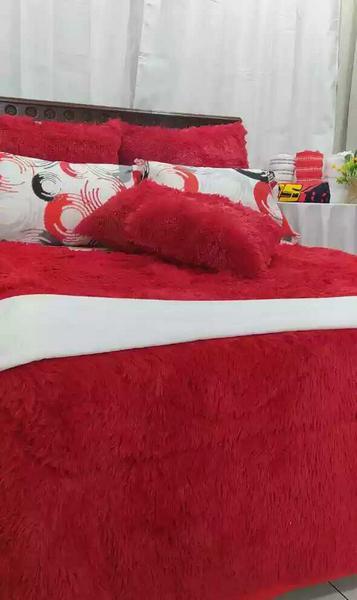 Plumón peludo cama doble