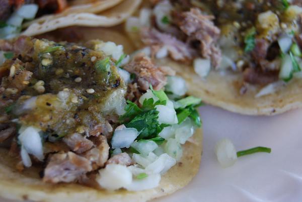 2 tacos de carnitas a sólo $36 MXN