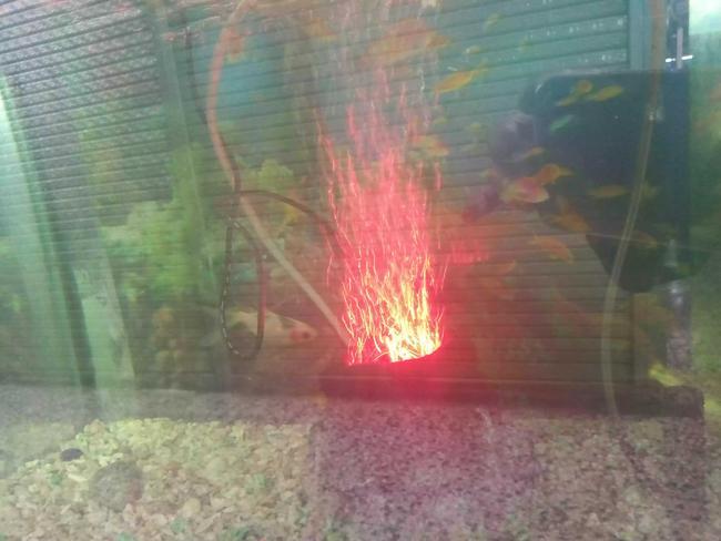 Volcán decorativo para acuario