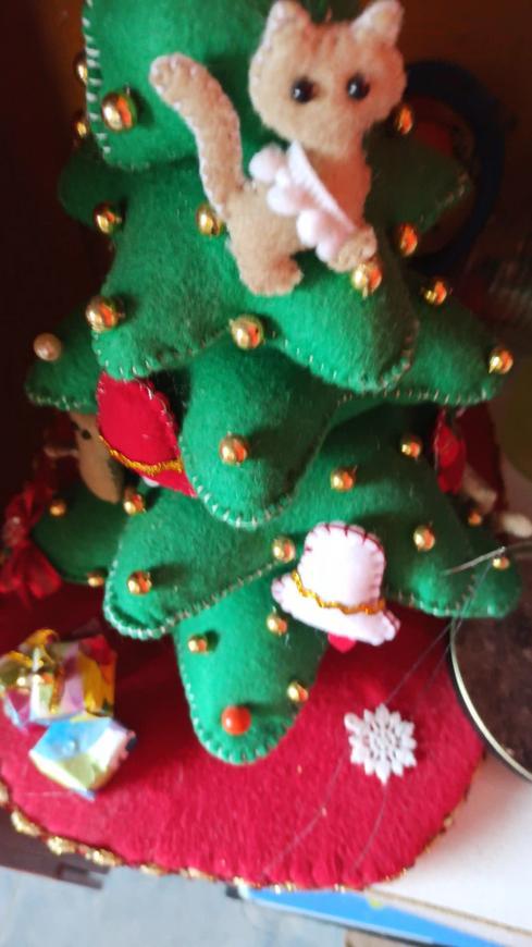 Árbol pequeño navideño