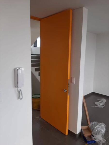 Puerta panel de seguridad