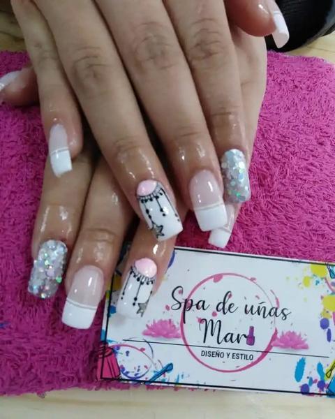 Manicure en acrílico