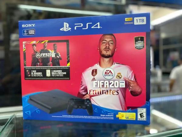 Play station 4 slim 1TB + FIFA 20 nuevo