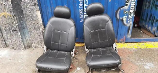 Juego de sillas Chevrolet alto