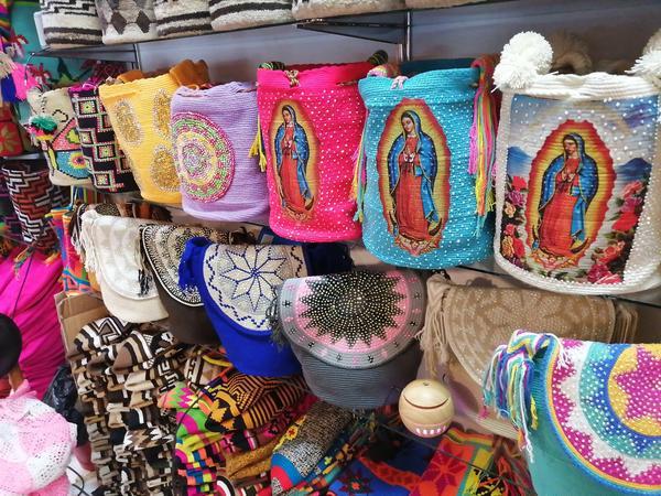 Mochila decorada con murano