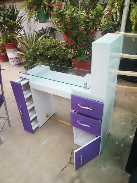 Mesa para manicure