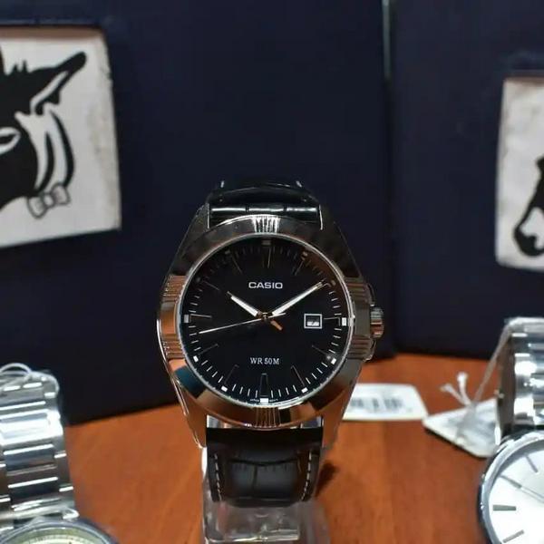Reloj Casio MTP 1308L de pulso en cuero