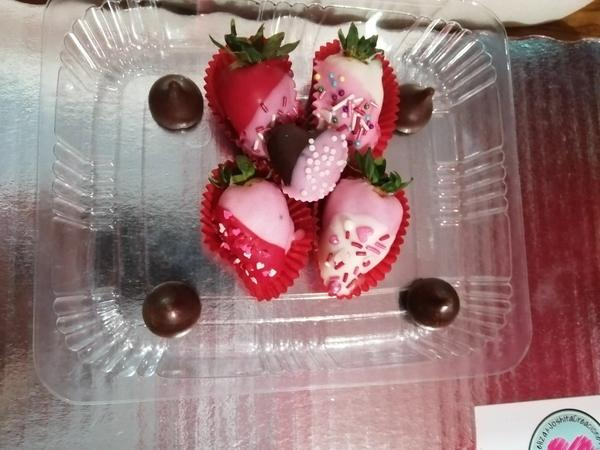 Domo de fresas decoradas