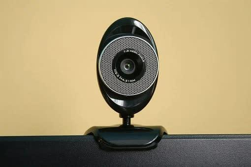 Cámara Logitech c930e full HD 1080 + trípode tridimensional