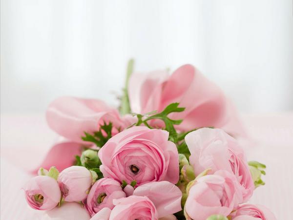 Ramo de flores y rosas