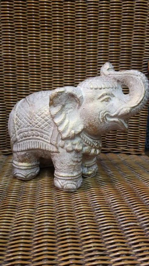 Accesorio decorativo de elefante asiático