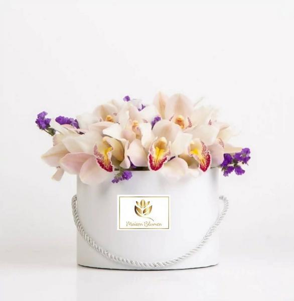 Arreglo Orquídeas Cimbydium Beige