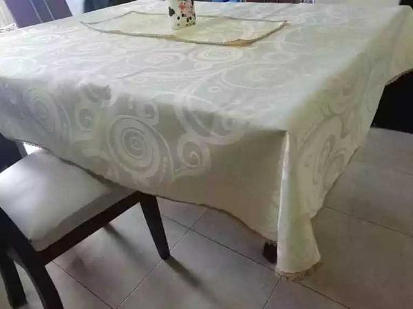 Mantel + centro de mesa