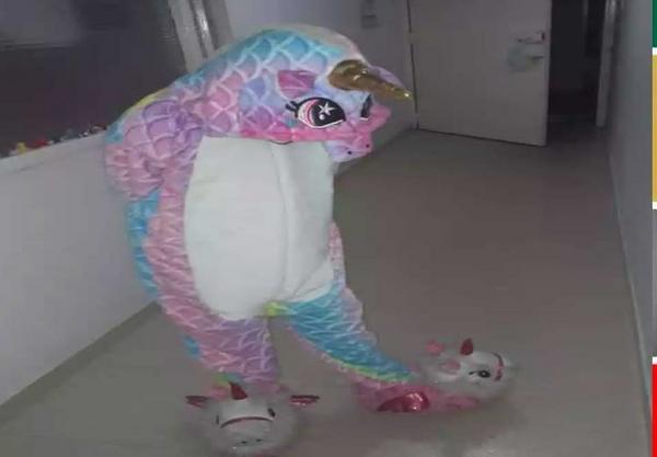 Hermosa pijama kigurumi de unicornio