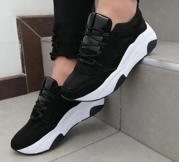 Zapatos sport en negro para dama