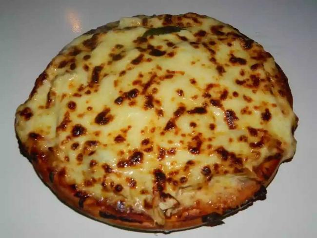 Pizza de salami importado