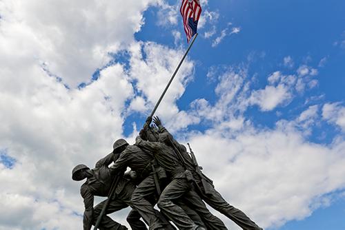 united states marine corp veterans war memorial depicting soldiers raising flag