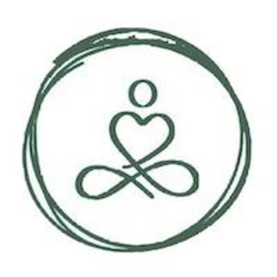 Hannah Does Yoga logo