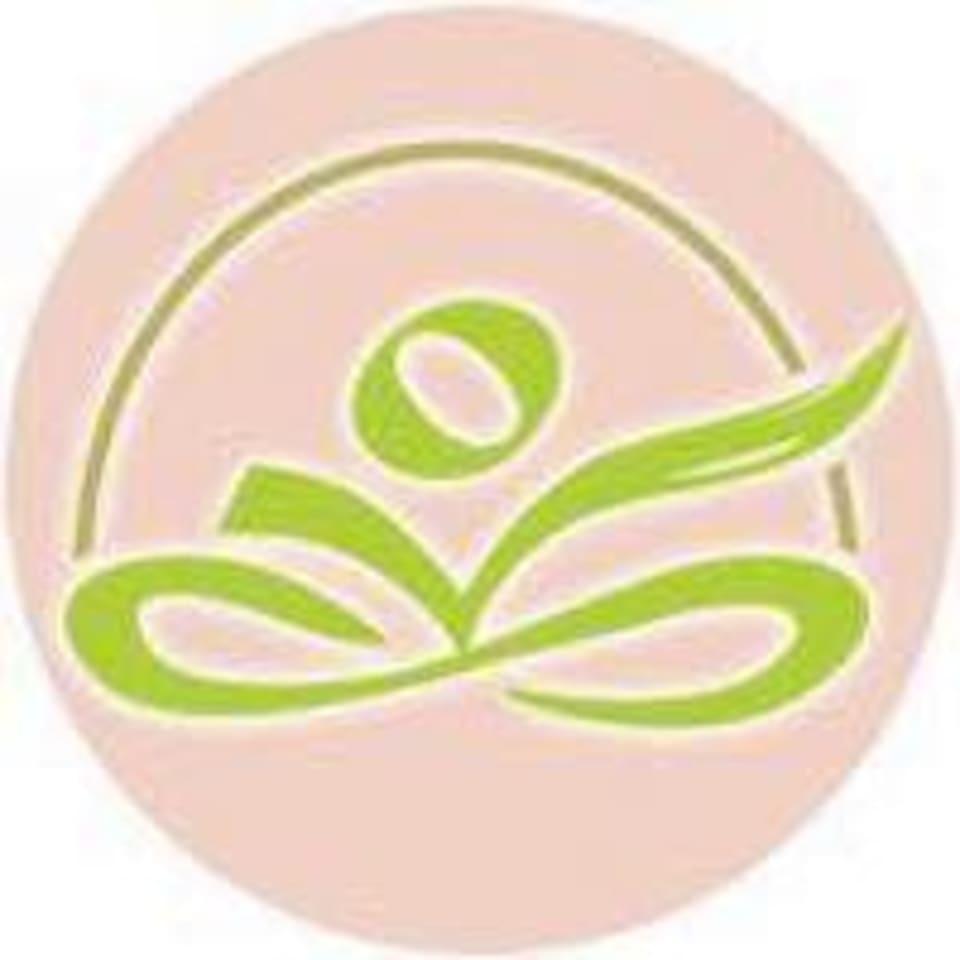 Everbalance Yoga Barre Pilates logo