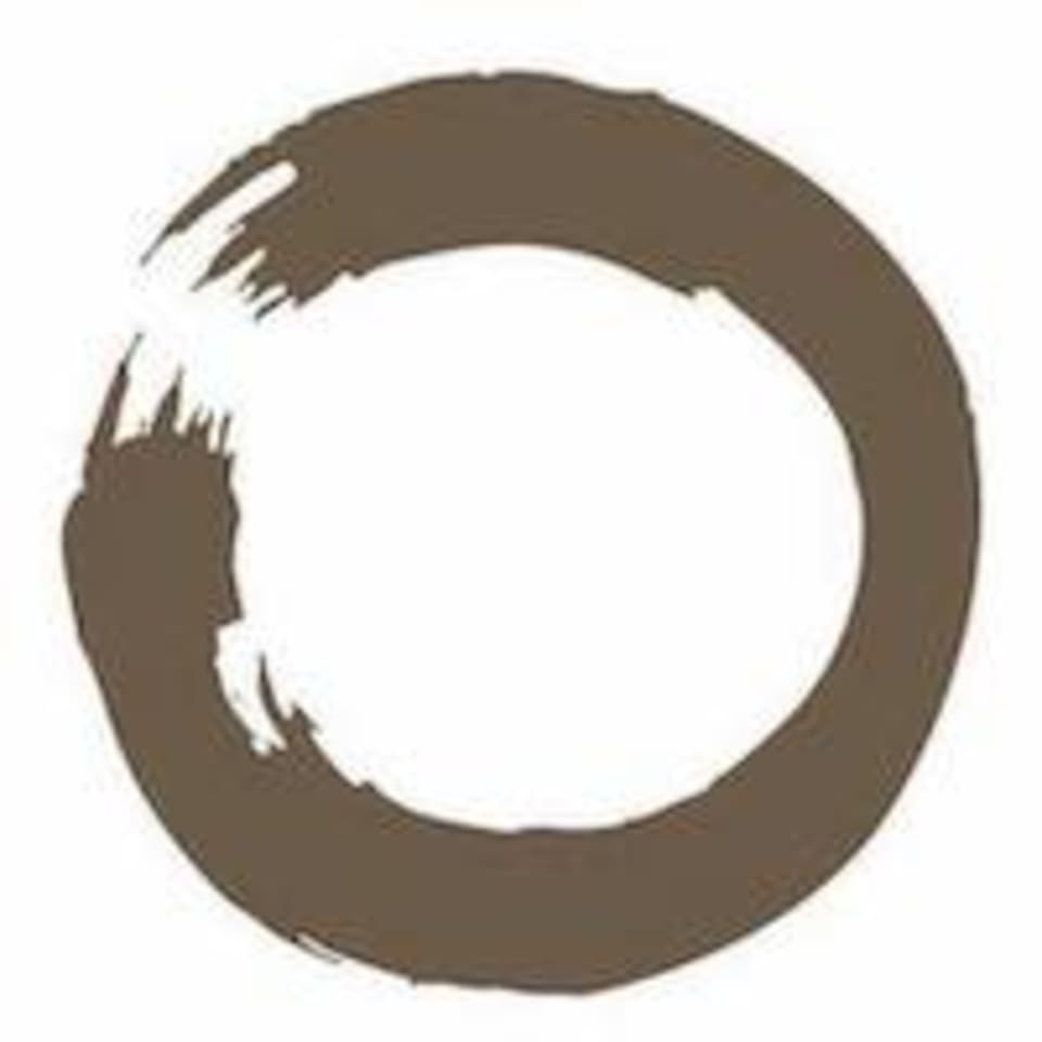 Omology Yoga logo