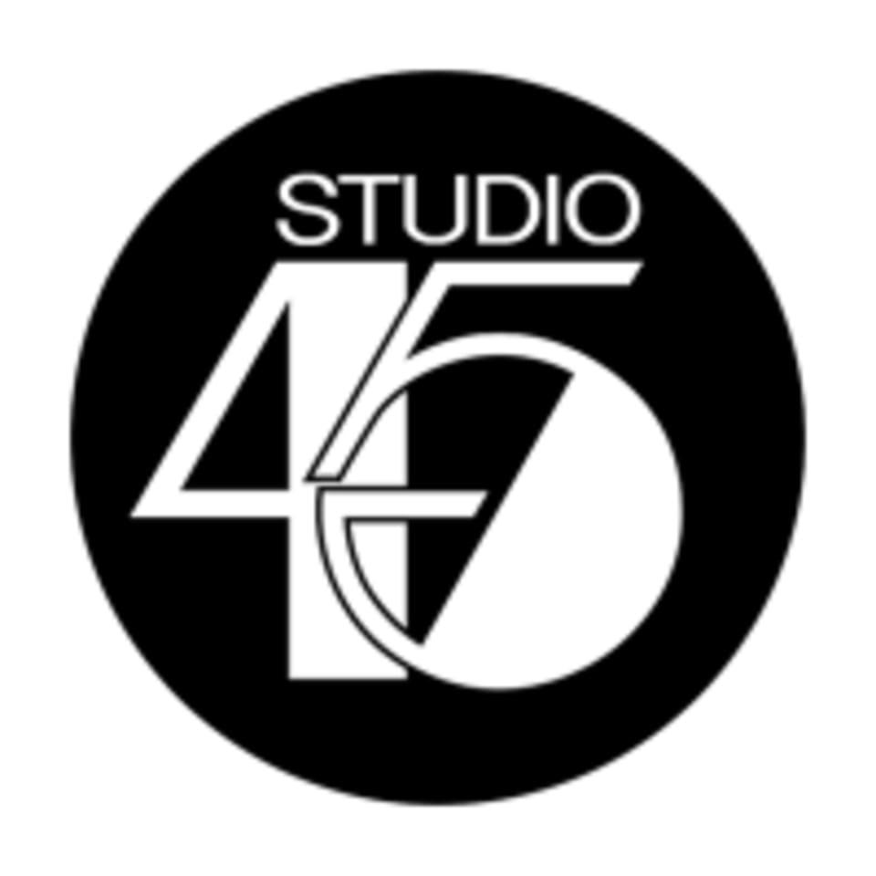 Studio 45  logo