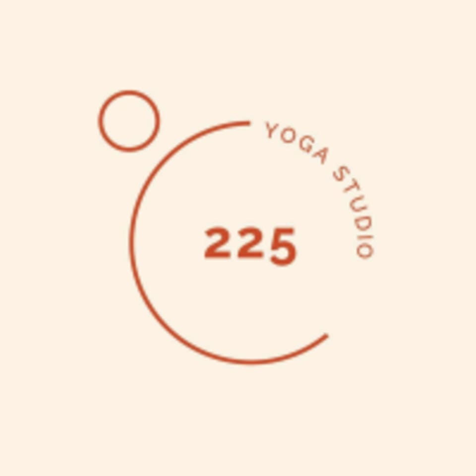 225 Yoga Studio logo
