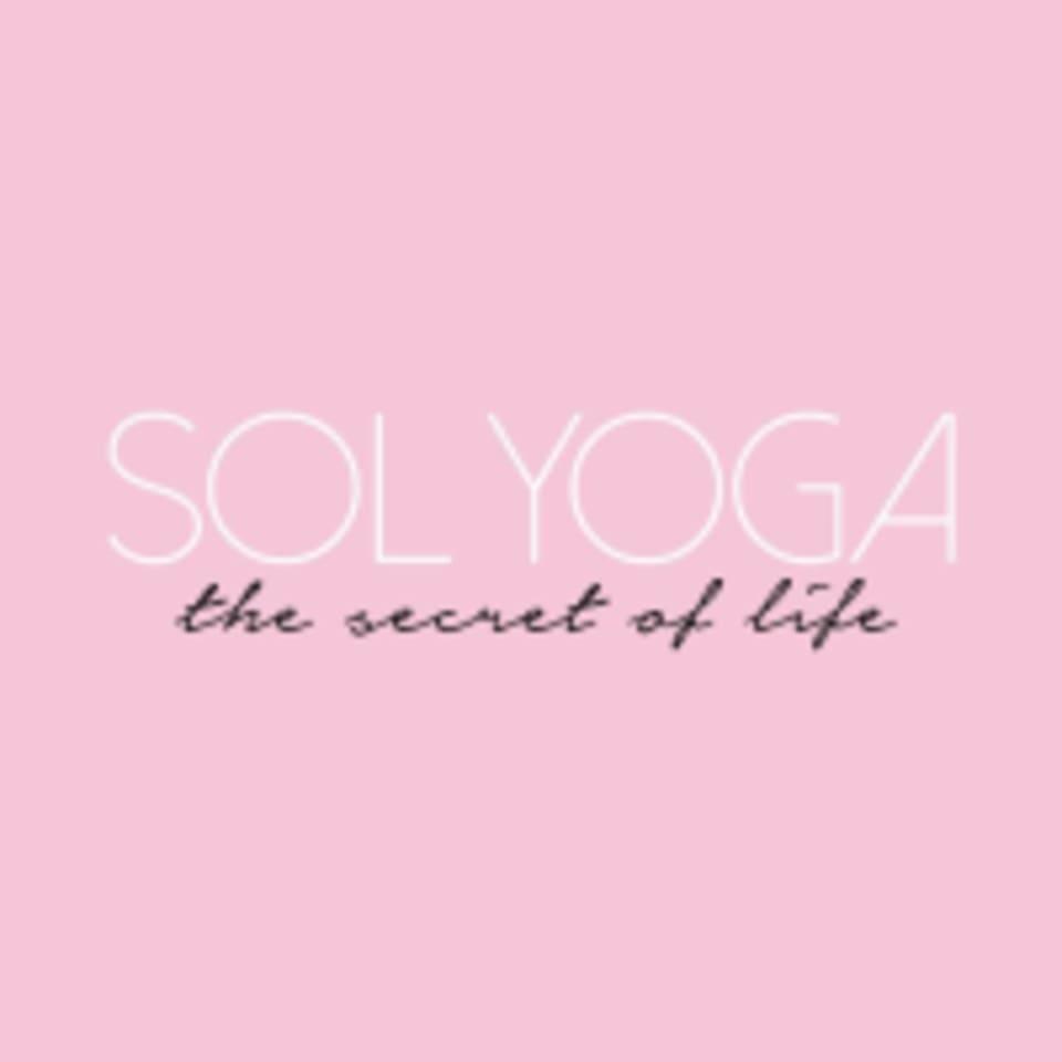SOL YOGA  logo