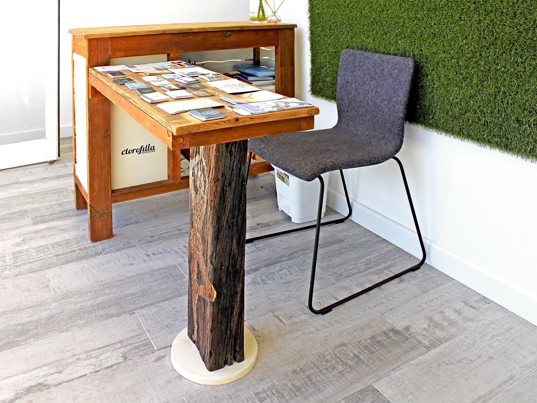 om-shala reception desk