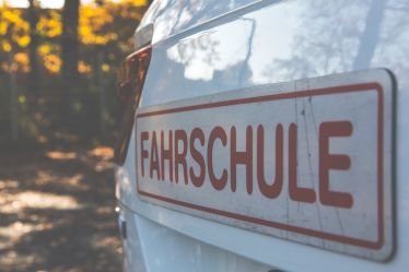 Fahrschule Real Sunshine LTD & Co. KG in Rot