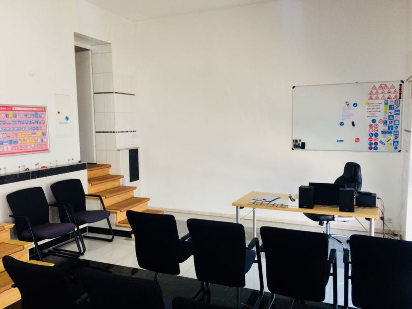Fahrschule Aras - Roedernallee Wittenau 5