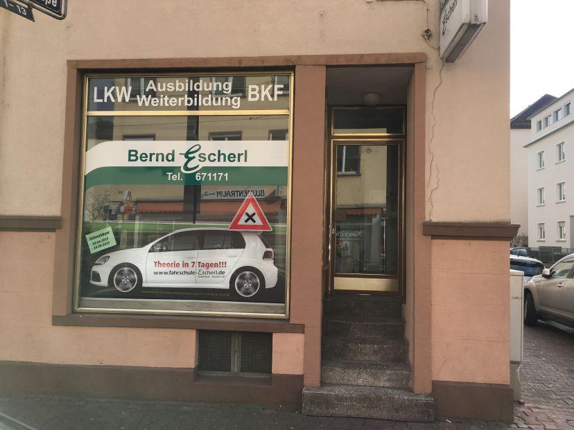 School Fahrschule Bernd Escherl - Egelsbacher Str. Frankfurt am Main Süd 1