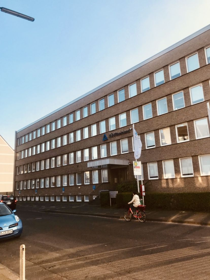 School Fahrschule Theoretische Führerscheinprüfung Düsseldorf-Morsenbroich Derendorf 2