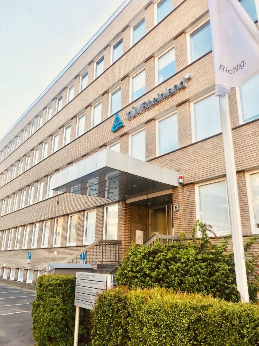 School Fahrschule Theoretische Führerscheinprüfung Düsseldorf-Morsenbroich Derendorf 3