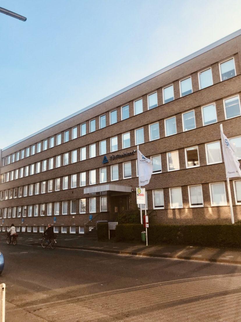 School Fahrschule Theoretische Führerscheinprüfung Düsseldorf-Morsenbroich Derendorf 1