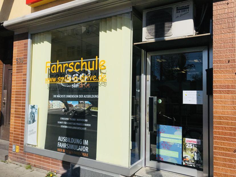 School Fahrschule Smile'n Drive - Neusser Str. Köln Weidenpesch 2