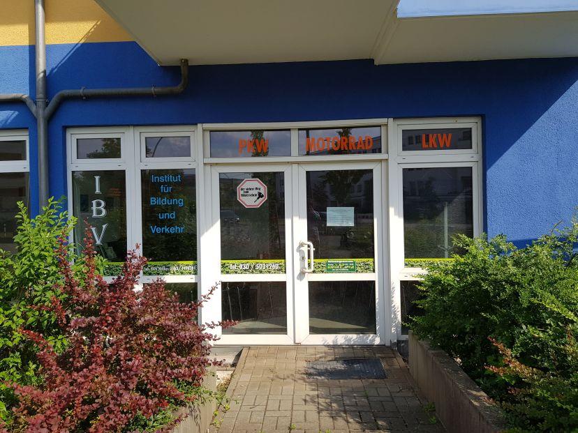 Fahrschule ...ab in die Hecke - Waldowallee Karlshorst 1