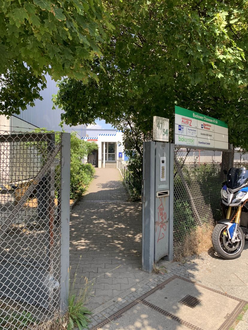 School AUBIZ GmbH - Ausbildungszentrum und Fahrschule Mariendorf 1